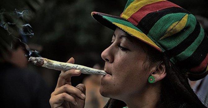 Las Cortes rechazan la despenalización total del cannabis